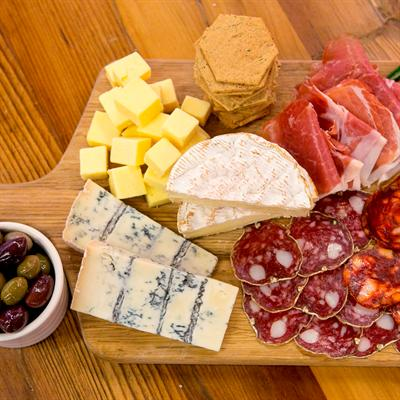 how to make the ultimate cheese platter i am a food blog i am a
